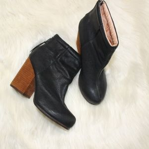 Jeffery Campbell Rumble Black Leather Booties sz 6